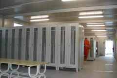 Furnished with lockers clean/dirty, net doors and related benches.